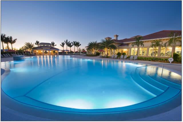 Outdoor pool v1pzmk
