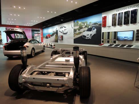 Tesla Opens In Sarasota At Mall University Town Center Sarasota - Car show sarasota square mall
