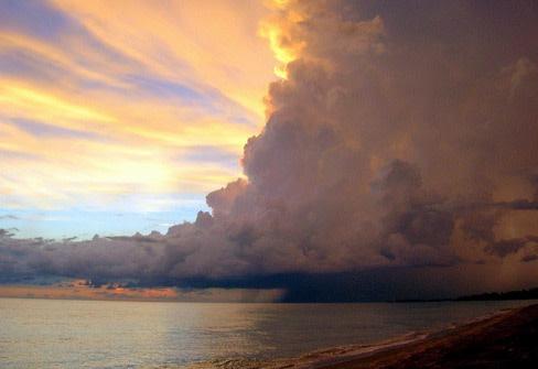 Kusula deniz half storm half sunsetresize szxygp