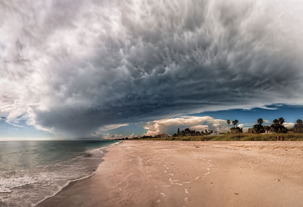photo of the week stormy on casey key beach sarasota. Black Bedroom Furniture Sets. Home Design Ideas