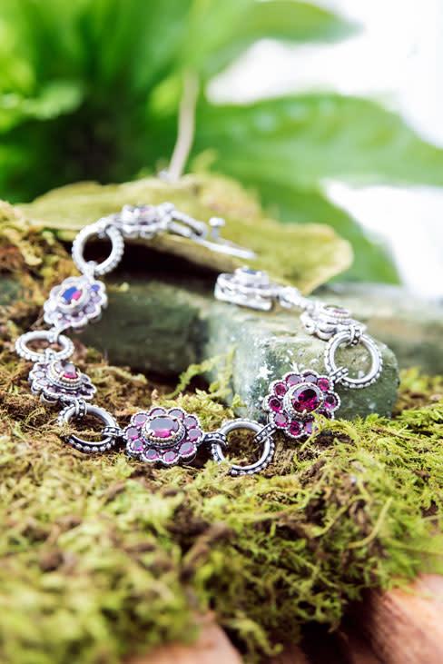 Jewels braceletflower attms2