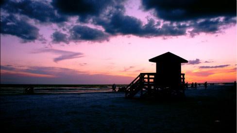 Sunset lifeguard stand nz6vyi