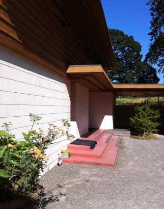 Gordon House 03 carport, entry