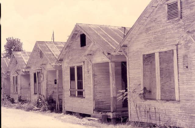 The shotgun shack is back houstonia magazine for Shack homes