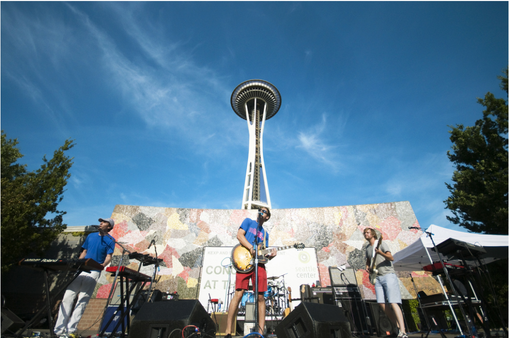 Seattle met for Concerts at the mural