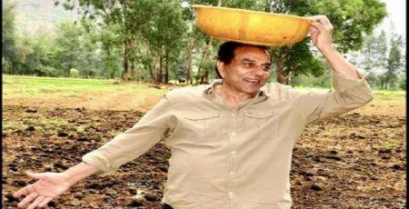 बॉलीवुड के हीमैन धमेंद्र कर रहे हैं खेती