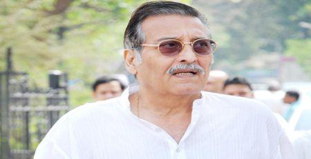 अभिनेता विनोद खन्ना का निधन हो गया, वह कैंसर से पीड़ित थे