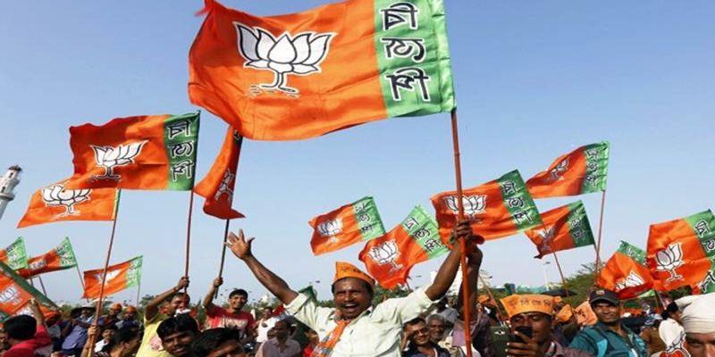 बीजेपी सबसे बड़ी पार्टी बनी, कांग्रेस की करारी हार।