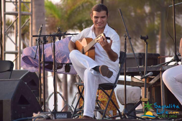 Esaú Music in Sayulita Mexico