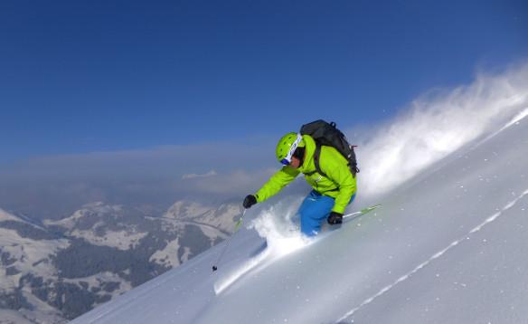 Programleder Lars Bull har reist rundt og laget TV fra over 100 skisteder i Norge og resten av Europa. Her er han i Hinterglemm i Østerrike.