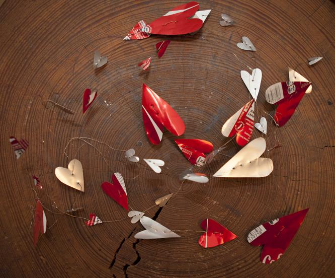 Noen bokser er røde. De passer kanskje ekstra godt i tida som kommer. (FOTO: Torstein Bøe / NTB scanpix)