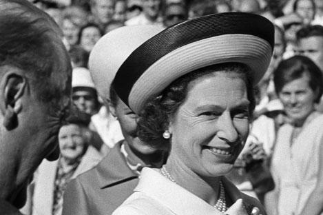 Dokumentar om Dronning Elizabeths liv ser du i kveld