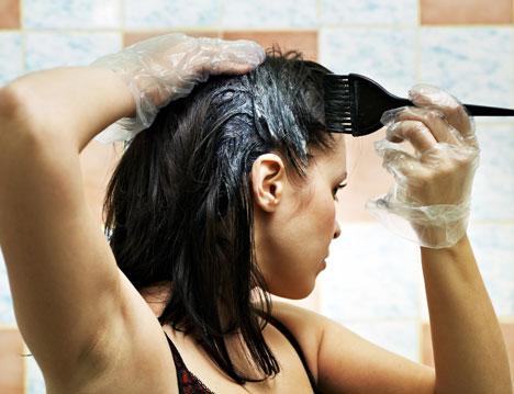 Det nye norske nettmagasinet iknowthatmagazine.com har laget en nyttig oversikt over hvordan du velger riktig fargetone når du skal farge håret selv. (Foto: Colourbox)