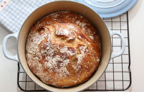 Fiks ferdig grytebrød i jerngryte (foto: Trines matblogg)