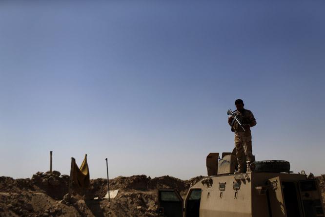 Regjeringen skal være klar til å bidra i kampen mot IS. (Foto: AP Photo/ Marko Drobnjakovic) / TT)