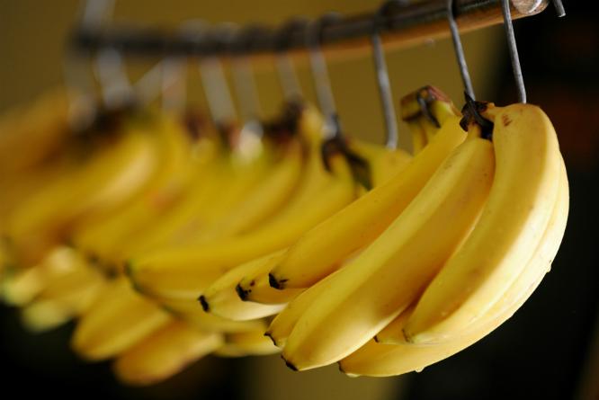 Bananer gjør seg godt i smoothie. (Foto: Frank May/NTB Scanpix)