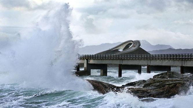 Varsler sterk vind og mye nedbør. (Foto: Scanpix)