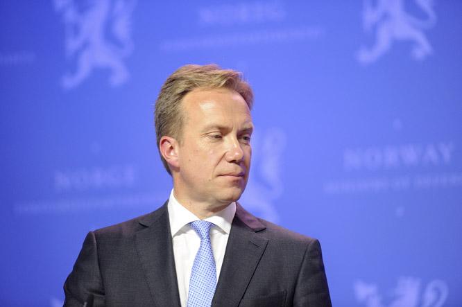 Utenriksminister Børge Brende sendte ut pressemeldingene om sanksjonene i dag. (Foto: Scanpix)