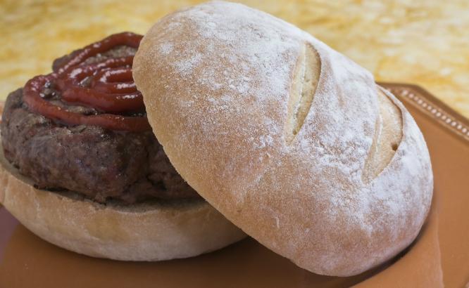 Mange glemmer godt brød. Det er en tabbe. (Foto: AP Photo/Larry Crowe)