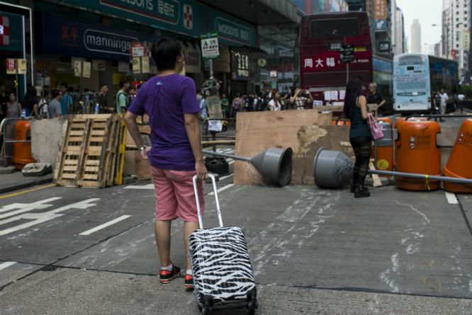 En av demonstrantenes barrikader. (Foto: REUTERS/Tyrone Siu)