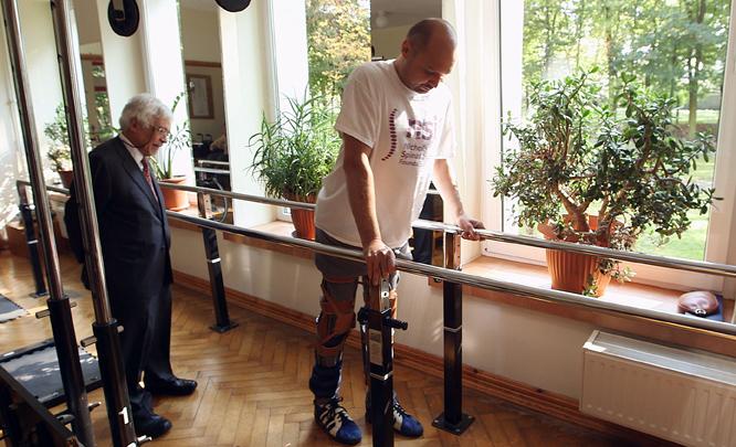 Det er fire år siden Darek ble knivstukket. (Foto: AFP PHOTO / BBC PANORAMA)