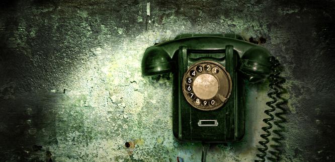 Også briter har begynt å bruke telefon. (Foto: Colourbox)