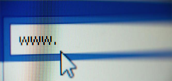 Internett brukes fortsatt. (Foto: Colourbox)