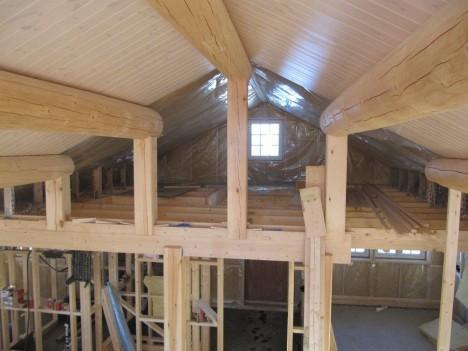 HEMS: Oppunder taket her blir det både et soverom og et lite galleri hvor man kan se ned i stua.