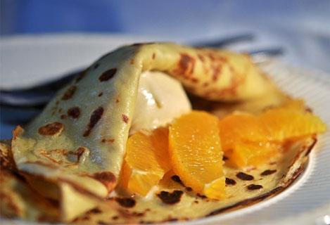 Ok, pannekaker er ikke vanligvis frokostmat her til lands, men la oss skeie ut i påska! (foto: Annica om mat)