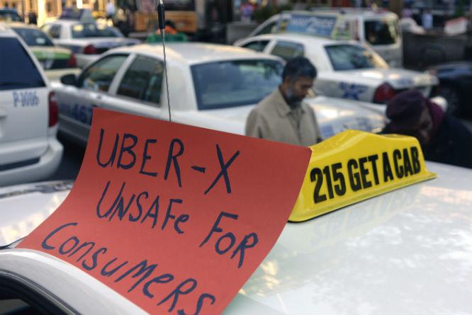 Drosjesjåfører verden over har demonstrert mot Uber. (Foto: Tom Gralish/Ap/Scanpix)