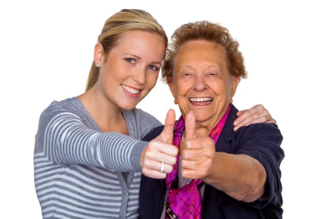 Å sosialisere med eldre kan være både hyggelig og lærerikt. (Foto: Colourbox)