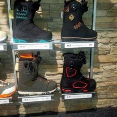 Salomon Snowboards boot range for 14/15. Fits perfect with the shadow fit bindings. Keep it sideways