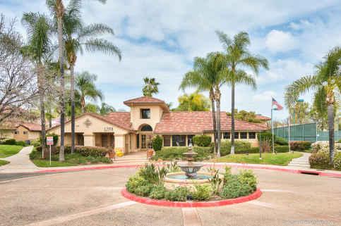 Villa Montevina Pool in Rancho San Diego