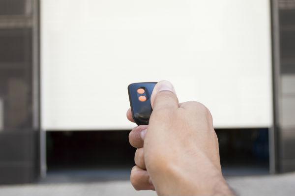 How to Fix Your Garage Door Clicker