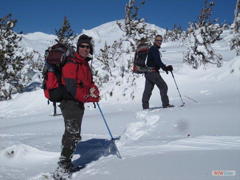 snowshoeing-poqueira-8_4379735494_l-min