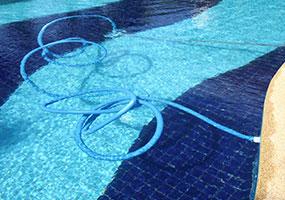pool cleaning broward