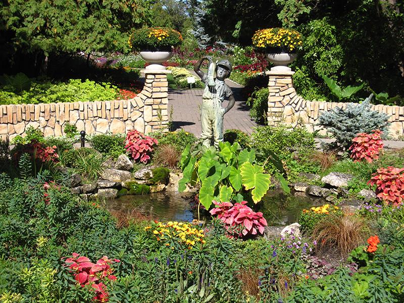 Assiniboine Park: Garden Tour