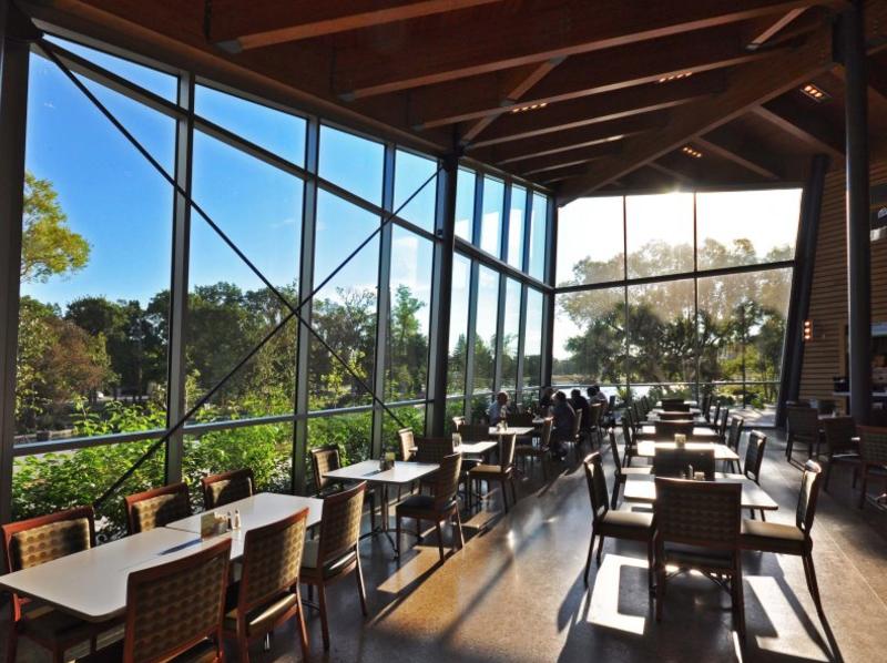 Park Café (Qualico Family Centre)