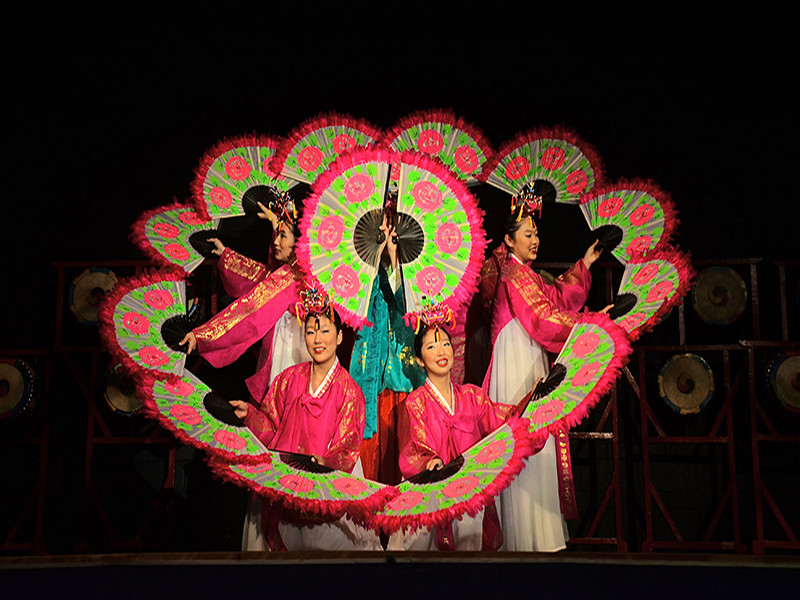 Folklorama Travel:  Cultural Nights