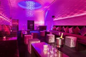 Globe Nightclub