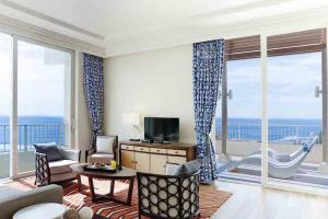 Primier suite king_living Lotte