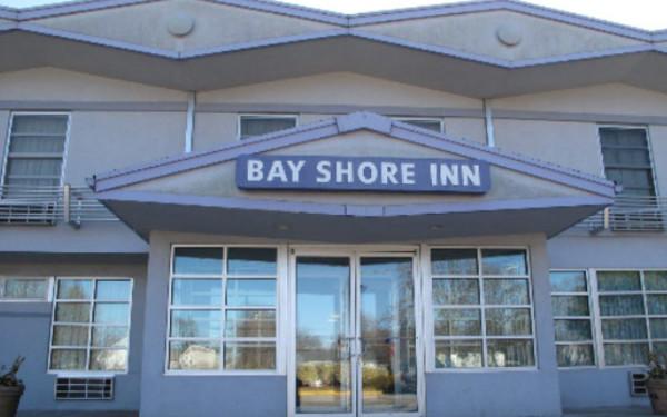Affordable hotels in new york inns on long island long for Capri lynbrook motor inn