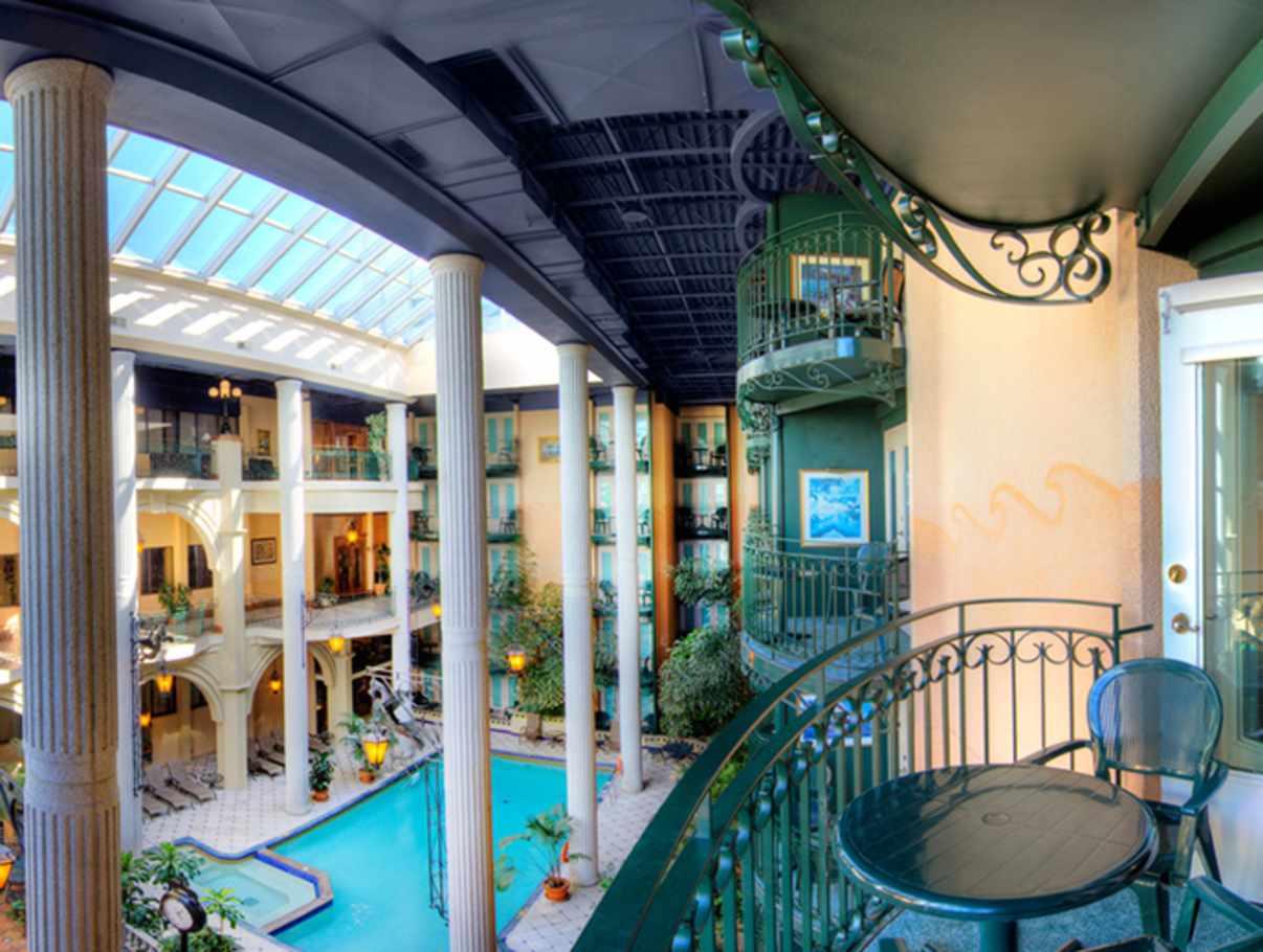 H tel plaza qu bec h tels qu bec ville et r gion for Hotel la bourboule avec piscine