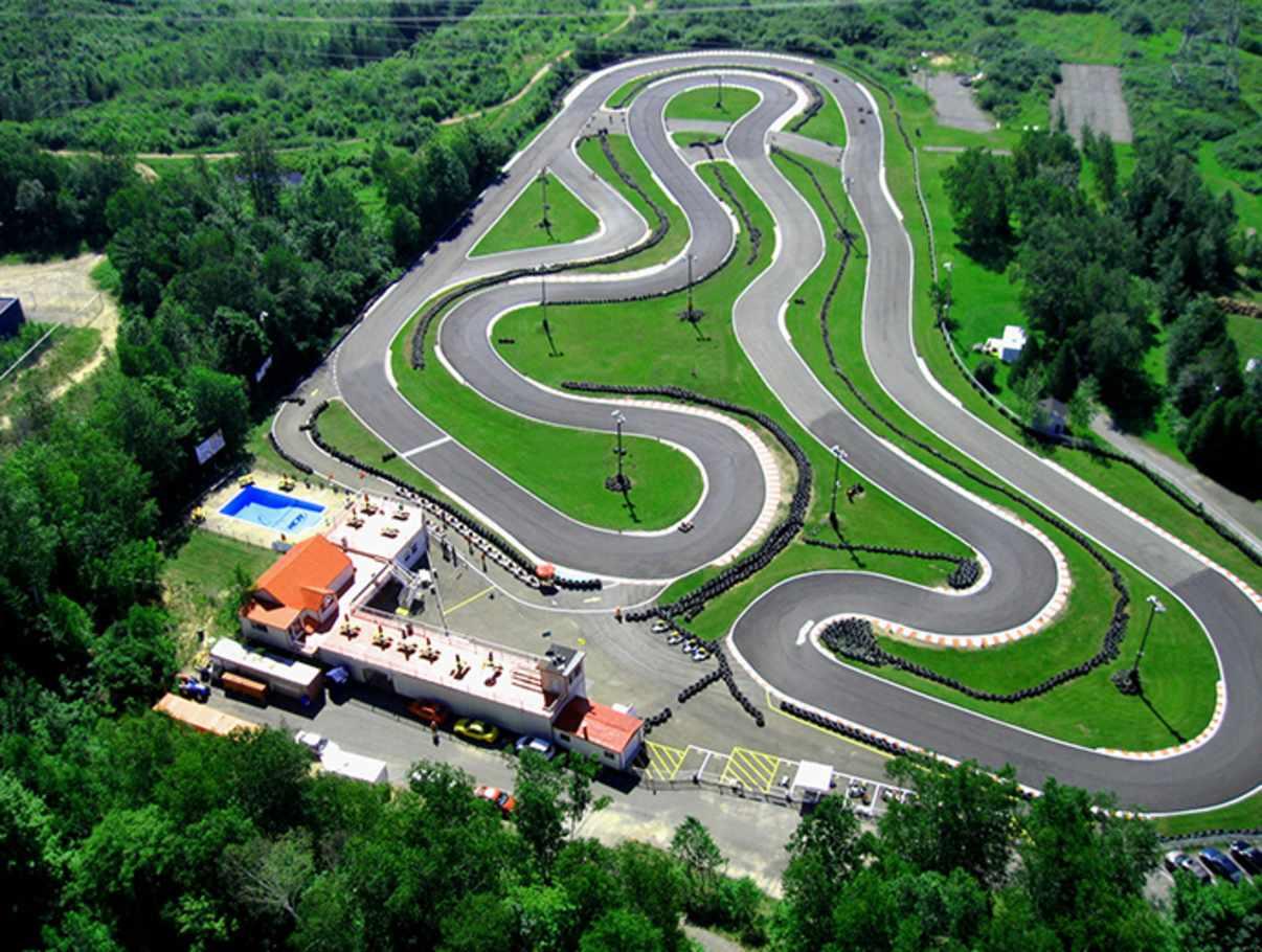 K c r karting ch teau richer inc karting qu bec for Go kart montreal exterieur