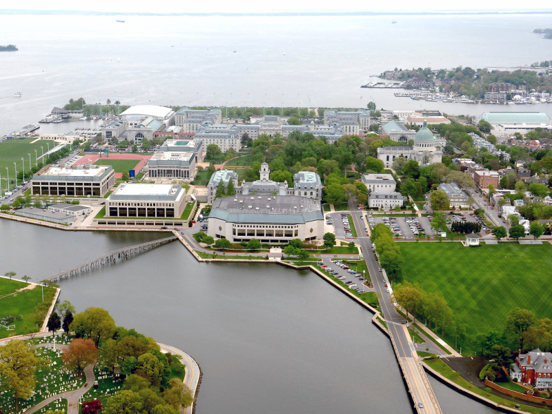 Visit Annapolis Group Tours Departing from the USNA Visitor Center