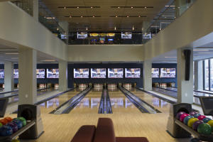 �Bowling�/