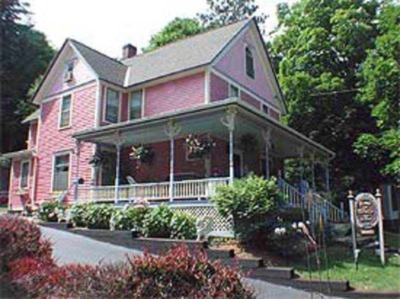 Rose and Thistle Bed & Breakfast