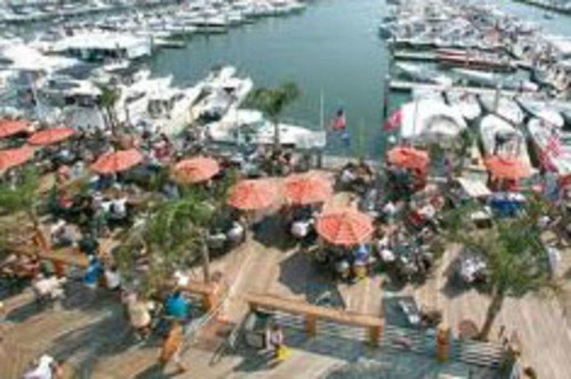 The Deck Bayfront Bar & Restaurant