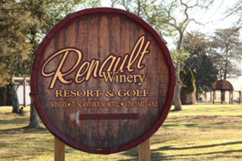 Renault Winery Resort & Golf