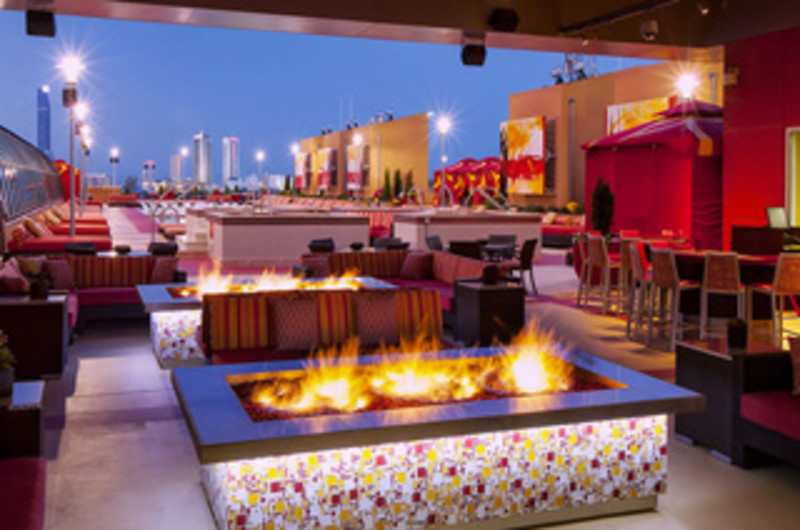 H20 Pool Bar Grille